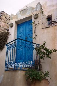 Santorini 10-30-05 057