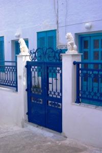 Santorini 10-30-05 060