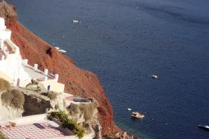 Santorini 10-30-05 107
