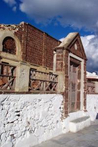 Santorini 10-30-05 115