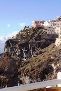 Santorini 10-30-05 127